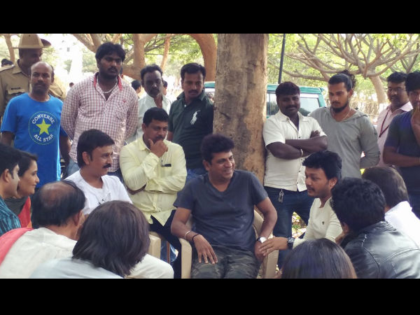 Hatrick Hero Visits The Sets Of Ganesh's 'Gandu Endare Gandu'