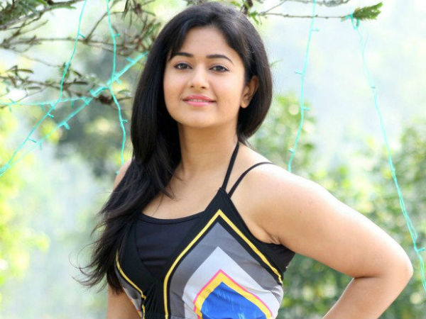 Southern Actress Poonam Bajwa quashes Marriage rumours