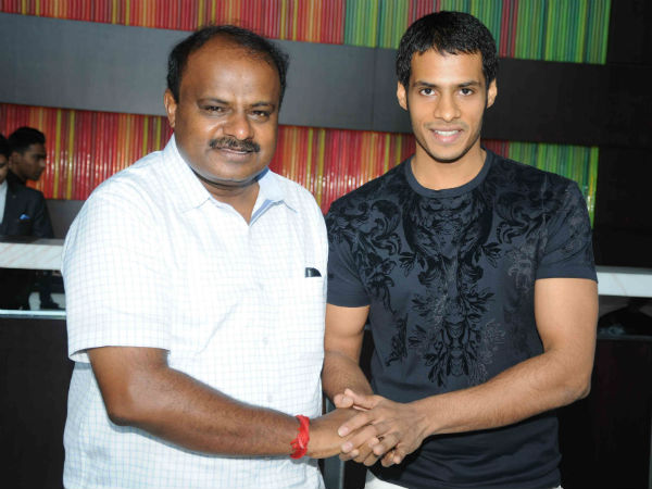 h-d-kumaraswamy-in-bulgaria-with-nikhil-kumar-for-jaguar-shooting