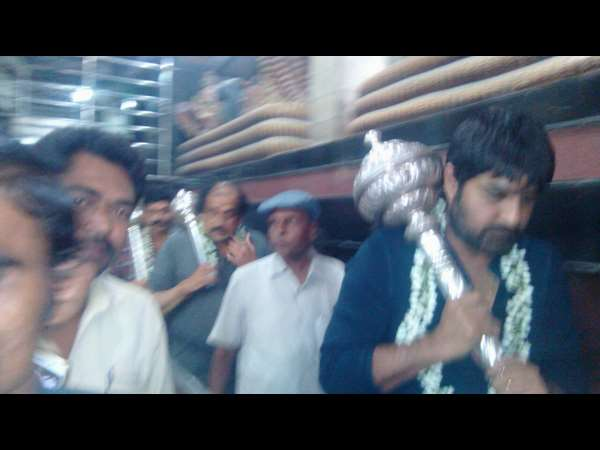 Actor Srikanth visits Pavagada Shani Temple