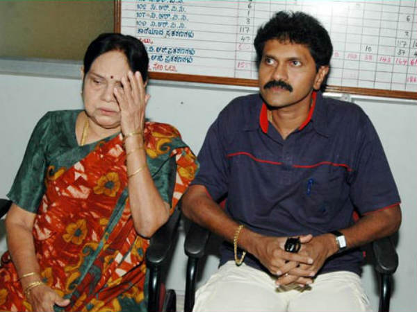 Earth Quake in Actress Leelavathi Home: Vinod Raj Experience