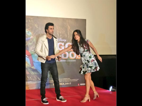 Katrina Kaif Gets Angry With Ranbir Kapoor; WARNS Him To Behave Properly!