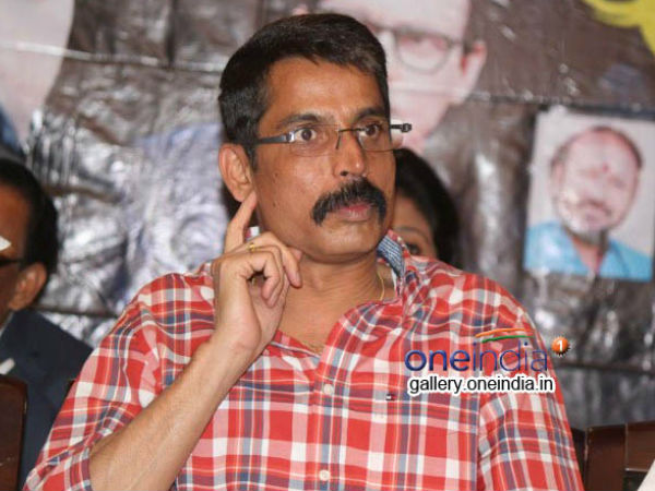 Lahari Velu to enter politics