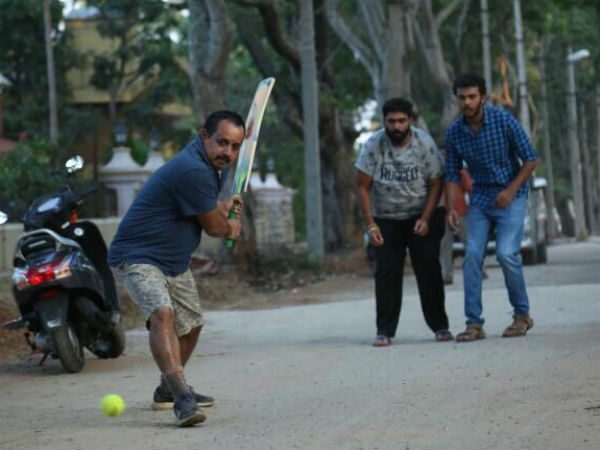 Manoranjan Ravichandran played cricket during shooting.