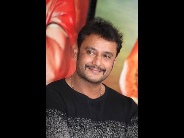 ಹೈದರಾಬಾದ್ ಹೋಟೆಲ್ ನಲ್ಲಿ ಕನ್ನಡಕ್ಕಾಗಿ 'ಡಿ-ಬಾಸ್' ಜಗಳ