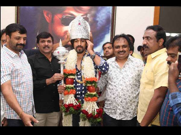 rocking star Yash is again starring in the production of Jayanna Combines movie