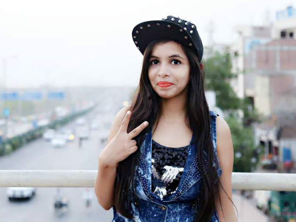 Dhinchak Pooja is back
