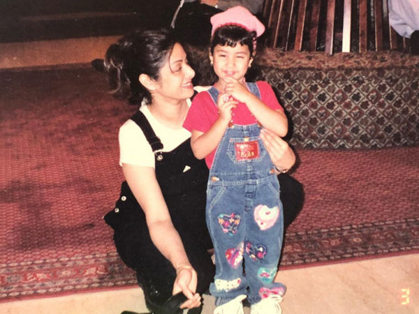 janhvi-kapoor-celebrates-mother-s-day-with-the-memories-of-sridevi