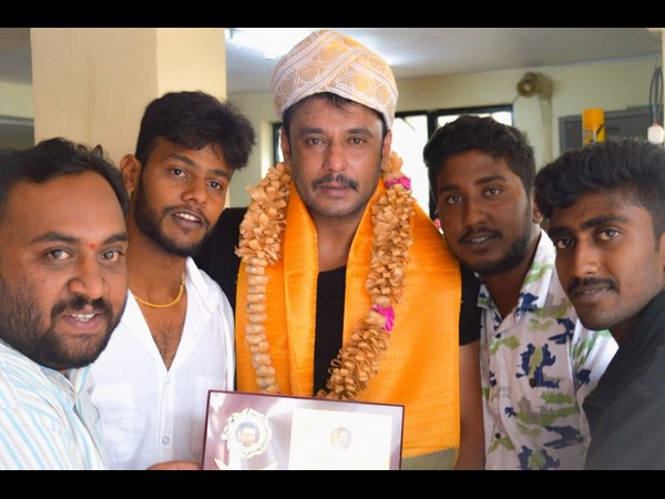 actor darshan get new title from his fans.
