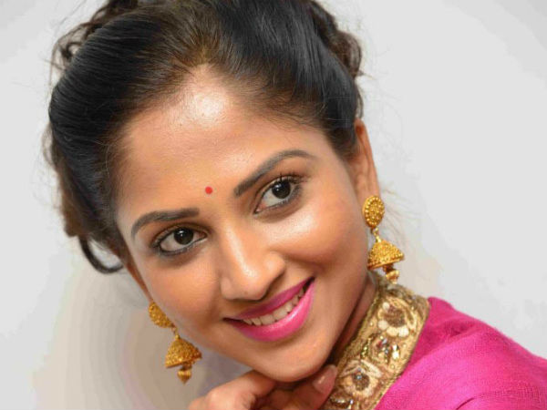 Kannada Actress Neha Patil to get married to Engineer Pranav