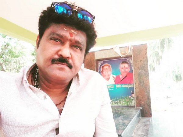 Journalist tunga renuka writing a autobiography on jaggesh