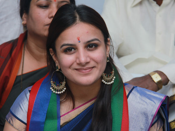 pooja gandhi said that she will not comment about mandya election result