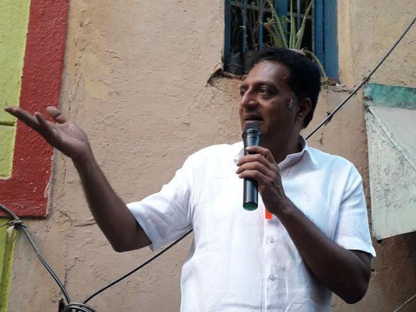 'ಹಿಂದಿ ದಿವಸ್' ವಿರೋಧಿಸಿದ ನಟ ಪ್ರಕಾಶ್ ರಾಜ್