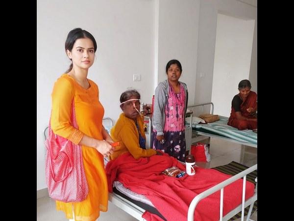 ಕಾನ್ಸರ್ ರೋಗಿಗಳಿಗೆ ನಟಿ ಶರ್ಮಿಳಾ ಮಾಂಡ್ರೆ ಸಹಾಯ ಹಸ್ತ