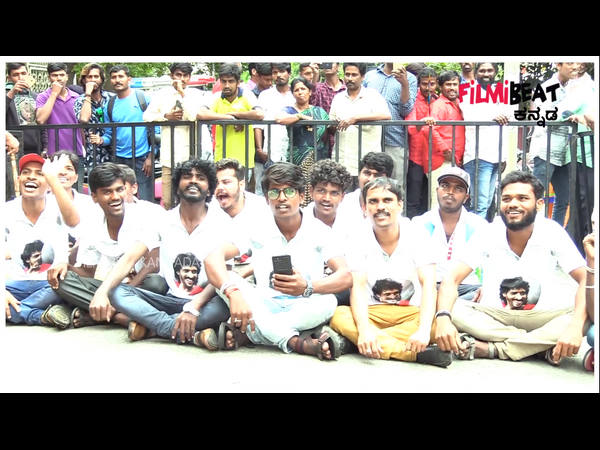 Upendra Fans Insist By Doing A Protest Against Him To Direct A Movie