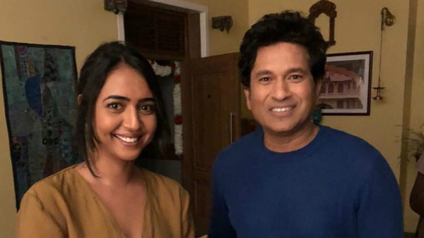 Hitha Chandrashekar Did Ad Shot With Sachin Tendulkar