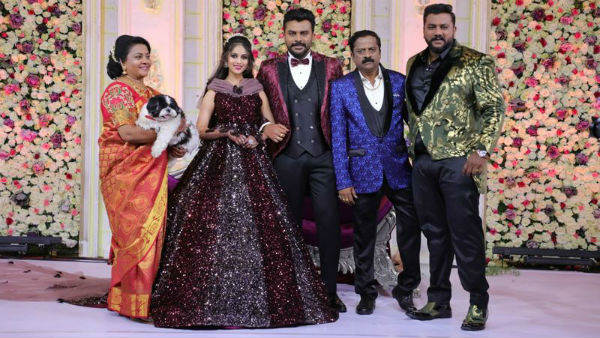 Pet Apple In Chandan Shetty Niveditha Gowda Reception