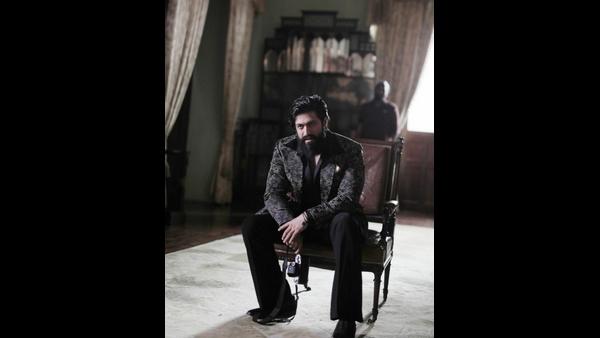 ಬಿಡುಗಡೆಗೂ ಮುನ್ನ ಮತ್ತೊಂದು ದಾಖಲೆ ಬರೆದ 'ಕೆಜಿಎಫ್ ಚಾಪ್ಟರ್ 2'
