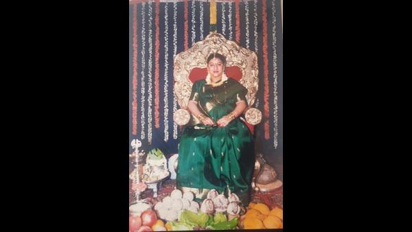 ಅಪರೂಪದ ಫೋಟೊಗಳ ನೆನಪನ್ನು ಹಂಚಿಕೊಂಡ ಮಾಲಾಶ್ರೀ