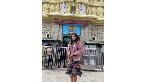 ಚಾಮುಂಡೇಶ್ವರಿ ತಾಯಿಯ ಆಶೀರ್ವಾದ ಪಡೆದ ನಟಿ ಹರಿಪ್ರಿಯಾ