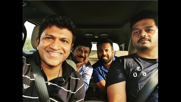 Puneeth Rajkumar and Yuvarathnaa team visit to Mantralaya with Jaggesh