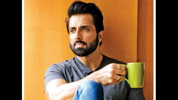 Sonu Sood appeals to the government for its humanity