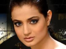 https://kannada.filmibeat.com/img/2009/03/20-amisha-patel.jpg