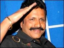 https://kannada.filmibeat.com/img/2009/09/30-bc-patil-salute.jpg
