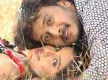 http://kannada.filmibeat.com/img/2010/06/25-preetiya-loka1.jpg