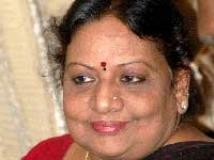 http://kannada.filmibeat.com/img/2010/09/28-vaishali-kasaravalli1.jpg