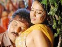 https://kannada.filmibeat.com/img/2010/11/25-naariya-seere-kadda1.jpg