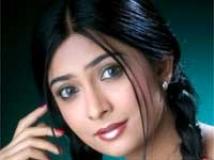 https://kannada.filmibeat.com/img/2011/02/11-radhika1.jpg