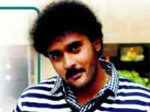 http://kannada.filmibeat.com/img/2011/02/16-balaji2.jpg