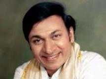 http://kannada.filmibeat.com/img/2011/04/22-dr-rajkumar1.jpg
