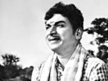 http://kannada.filmibeat.com/img/2011/07/07-bangarada-manusya1.jpg