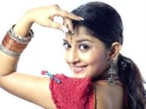 https://kannada.filmibeat.com/img/2011/07/28-meera-jasmine.jpg.jpg