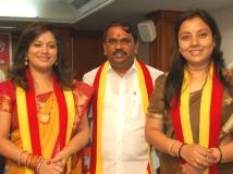 https://kannada.filmibeat.com/img/2012/09/10-priya-narayana-tara.jpg