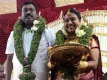 https://kannada.filmibeat.com/img/2012/09/13-jassy-gift-wedding.jpg