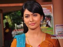 https://kannada.filmibeat.com/img/2013/07/26-radhika-pandit1.jpg