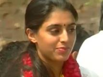 https://kannada.filmibeat.com/img/2013/07/29-nisha-yogeshwar.jpg