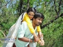 http://kannada.filmibeat.com/img/2014/06/10-preethi-geethi-ityaadi.jpg