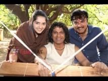 http://kannada.filmibeat.com/img/2015/03/25-1427277419-7-sanusha-shivarajkumar-sarathkumar.jpg
