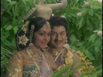 http://kannada.filmibeat.com/img/2016/04/babru-vahana-7-22-1461315922.jpg