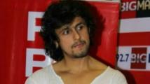 http://kannada.filmibeat.com/img/2020/06/sonunigambhushan1display-1592839816.jpg