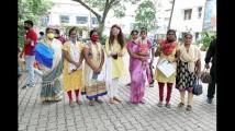 https://kannada.filmibeat.com/img/2021/06/pranithasubhash-2-1623848521.jpeg