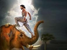 'ಬಾಹುಬಲಿ-2' ಪೋಸ್ಟರ್ ಕಾಪಿ ಮಾಡಿದ್ರಾ ನಿರ್ದೇಶಕ ರಾಜಮೌಳಿ.?
