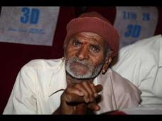 'ಹಾಲು ತುಪ್ಪ' ಚಿತ್ರದ ವಿರುದ್ಧ ಸಿಡಿದೆದ್ದ ಸೆಂಚುರಿಗೌಡ