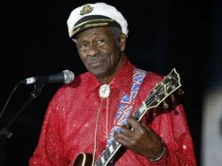 Chuck Berry Rock And Roll Pioneer Dies At 90