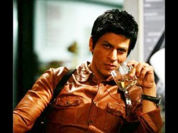 Bollywood Actor Shah Rukh Plans To Quit Smoking Drinking For Kids