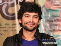 Actror Diganth Revealed About His First Love